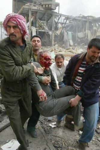 Los  bombardeos comenzaron a tronar en Kabul y Kandahar, bastiones del T...