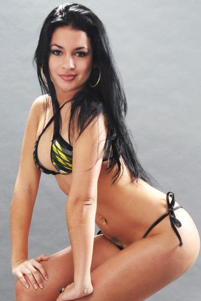 Lianet está dispuesta a ser Miss Colita 2011