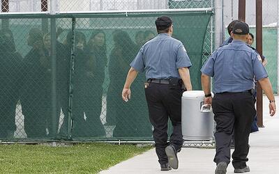Inmigrantes detenidas en un centro de detencióin de ICE en Texas.
