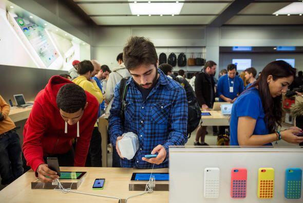 El iPhone 5S es más rápido que su predecesor y tiene mejor...