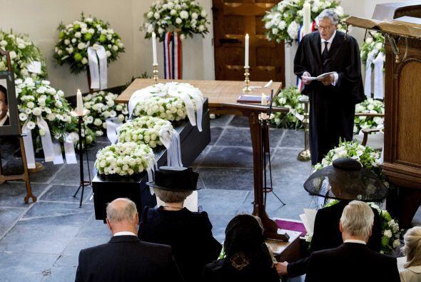 El entierro se realizó en la más estricta intimidad cerca del castillo d...