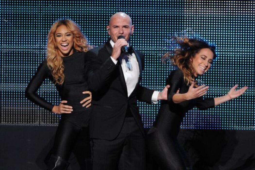 """Los latinos brillaron en los """"American Music Awards"""".  Pitbull fue el pr..."""