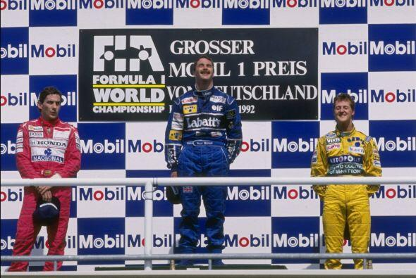 Tras la tragedia del legendario Ayrton Senna, Schumacher heredó s...