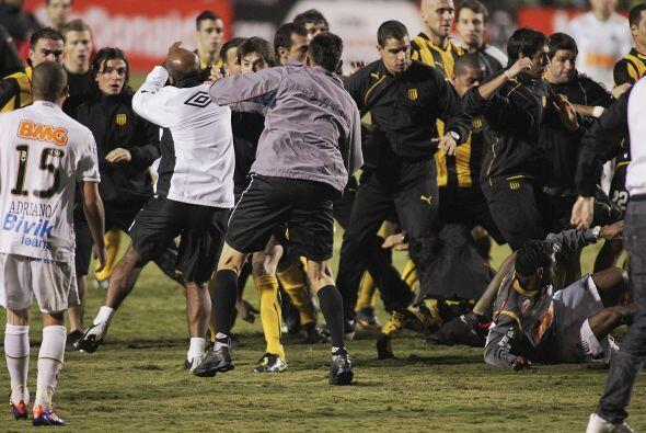 Más violencia en el fútbol, para variar. Fue en la final de la Libertado...