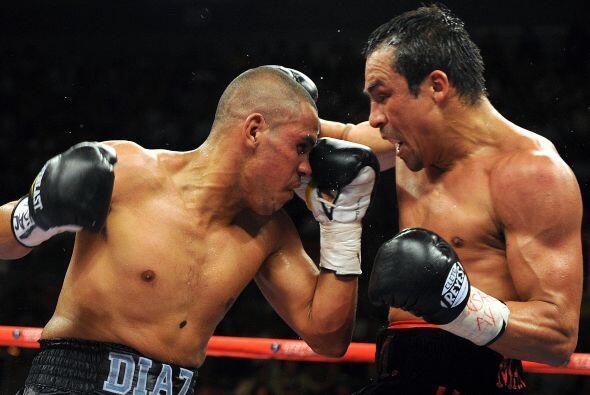Por su parte, Díaz (35-4) lleva cuatro derrotas en las últimas seis sali...