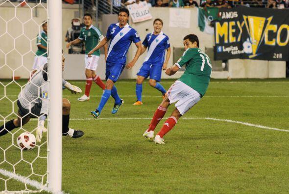 Esta es la imágen del gol del 'Chicharito', espectacular taquito con la...