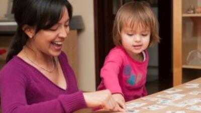 Leerle a tu hijo puede hacer una diferencia en ellos. Escoge libros que...