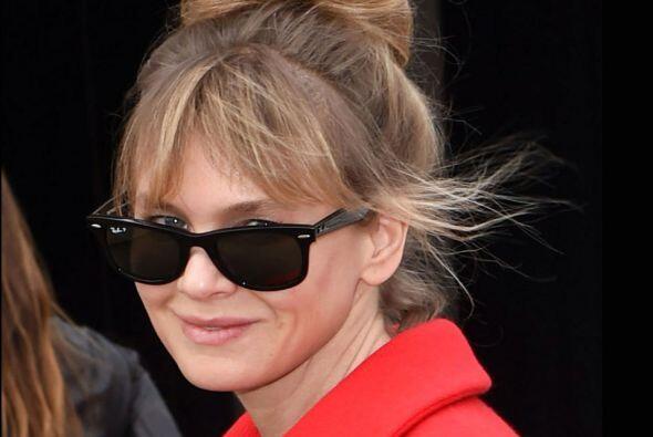 Sin importar el qué dirán, Renée reapareció en la Semana de la Moda en P...