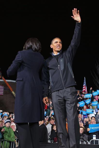 A su vez  felicitó a su rival republicano, Mitt Romney, por su &q...
