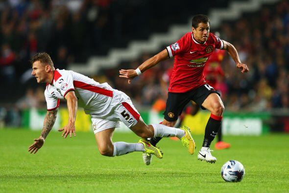 Javier Hernández jugó los 90 minutos con los diablos rojos, pero poco pu...