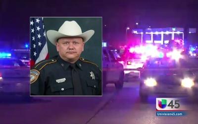 Se complica caso de oficial asesinado en Houston