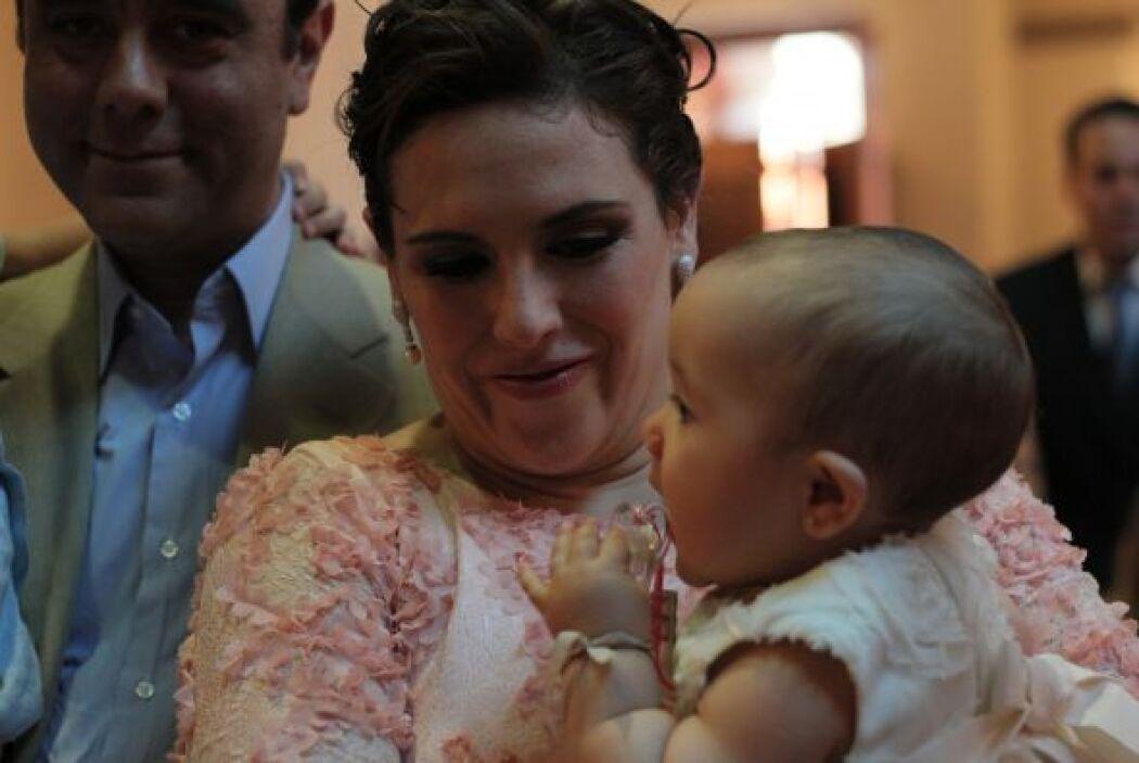 Miren lo bellas que lucieron este par. El bautizo y la fiesta fueron tod...
