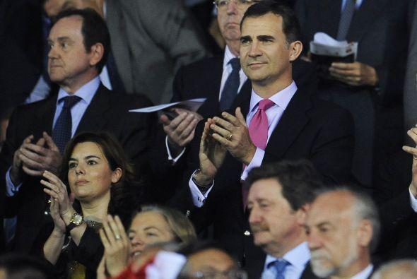 El príncipe Felipe disfrutó del partido.