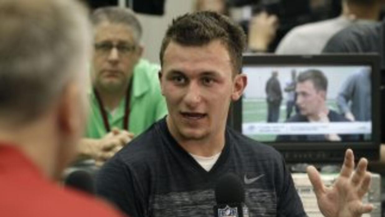 Johnny Manziel es codiciado por muchos equipos en la NFL (AP-NFL).