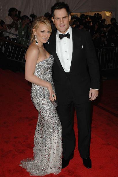 Hilary Duff y Mike Comrie se divorcian.Más videos de Chismes aquí.