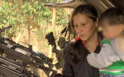 Madres y guerrilleras de las FARC: así se cría a un hijo en medio de la...