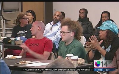 Activistas contra el abuso policiaco se reúnen con autoridades federales...