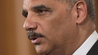 Eric Holder llega a Ferguson buscando una justa investigación