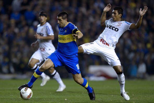 Riquelme debutaría con el Boca Juniors en 1996 estando Carlos Bil...