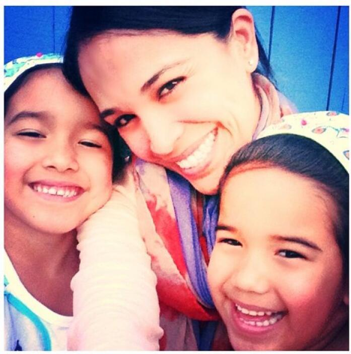 """""""Mis compañeras de sonrisas! #bendecida #momentosinolvidables"""", mostró K..."""