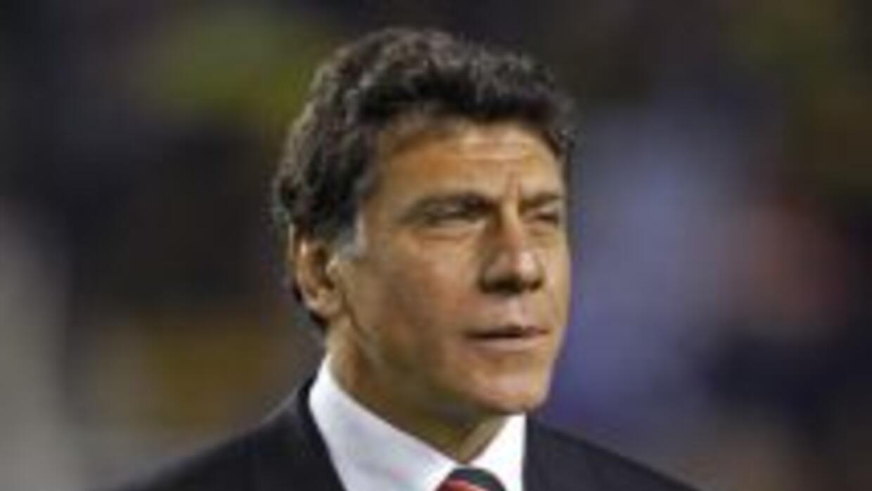 Miguel Angel Brindisi aceptó el reto de dirigir a Independiente en reemp...