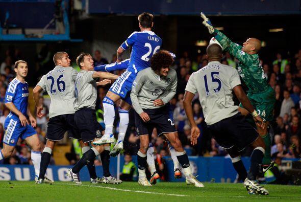Everton no podía y Chelsea buscaba el tercero.