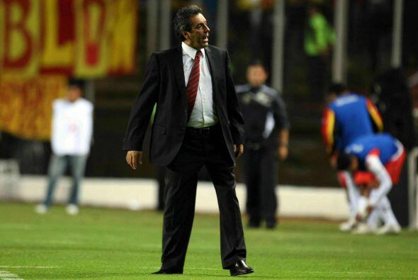 Y dirigiendo al Monarcas Morelia el técnico respondió a un...