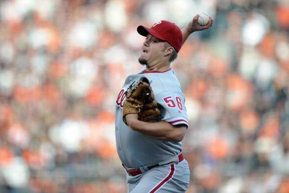 Por los Phillies, Joe Blanton trepó al cerrito sufriendo la misma...