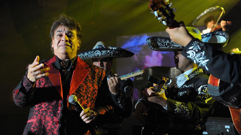 El cantante mexicano durante un concierto en Las Vegas en 2009.