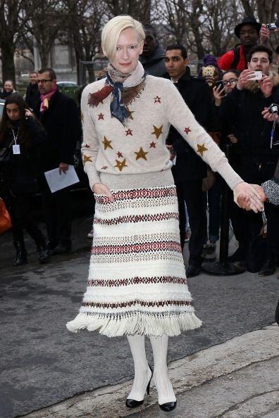 Otra fashionista de corazón que nunca se pierde los desfiles de e...