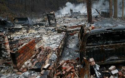Autoridades detienen a dos adolescentes sospechosos de causar el incendi...