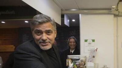George Clooney en el café Social Bite de Edimburgo