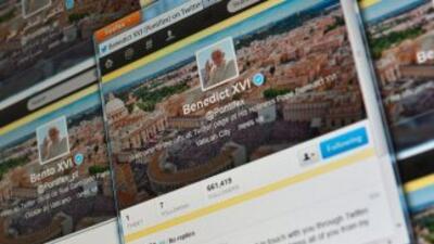 El pontífice en persona envió el tuit inicial luego de caer un poco en c...