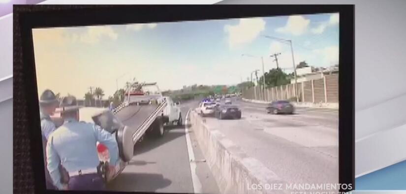 ¡Insólito! Policías atendían accidente y de repente los chocan