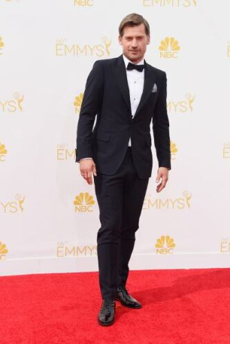 Es encantador ver a los caballeros vestidos de esta manera. Nikolaj Cost...