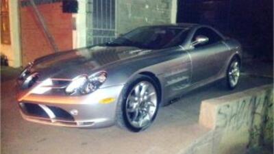 Entre los 43 vehículos se encuentran seis autos de lujo marca Mercedes B...