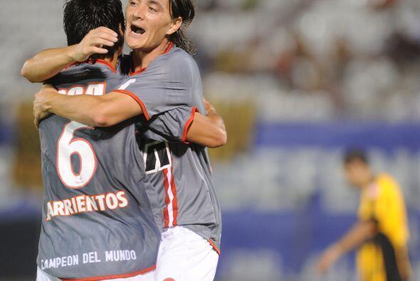 Los goles del conjunto argentino fueron marcados por Pablo Barrientos, a...