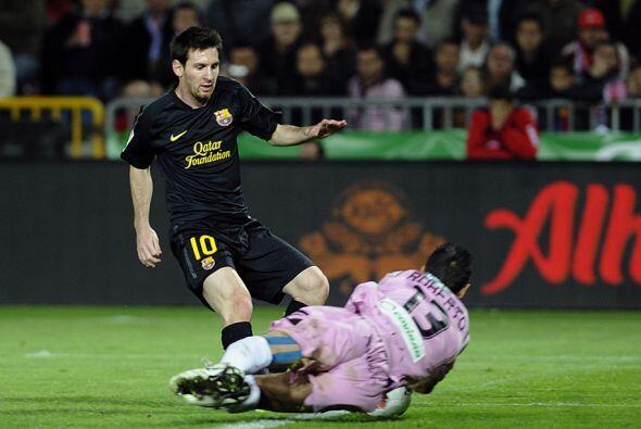 Por el otro lado, Messi se volvió a ir del partido sin 'mijar' en el arc...