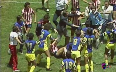 Las mejores broncas del clásico mexicano entre Chivas y América