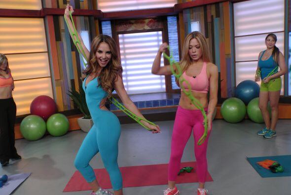 Este par de bellas mostraron en Despierta América una divertida rutina p...