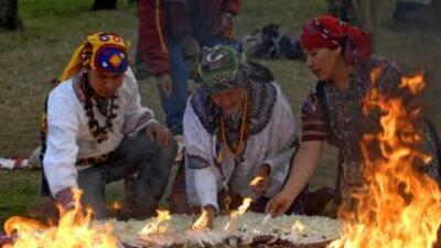 Líderes y sacerdotes indígenas guatemaltecos dieron la bienvenida al año...