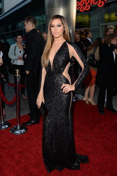 Ashley Tisdale inmortalizó a Morticia Addams con este espectacular vesti...