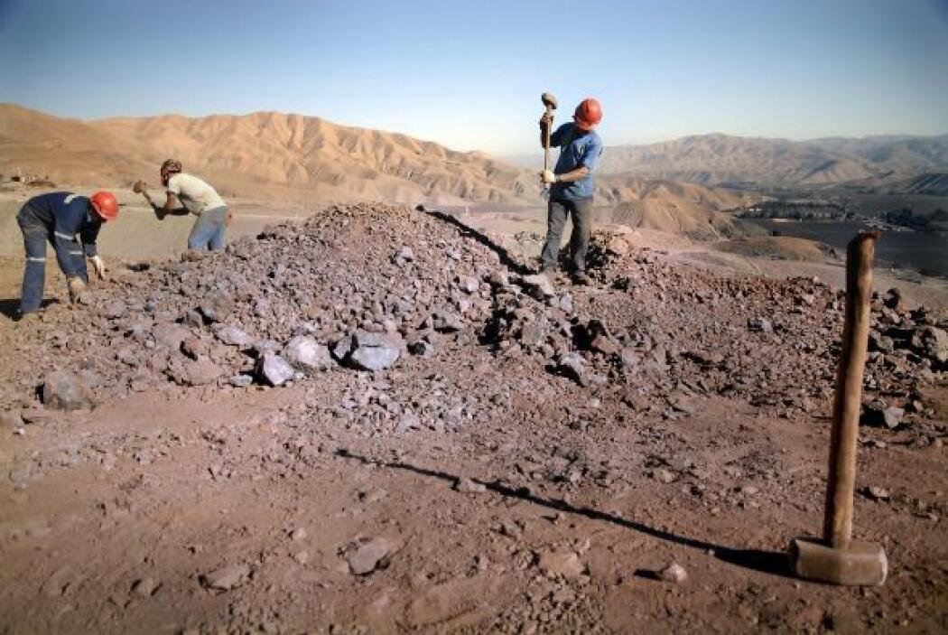 12 de septiembe: Se Autorizan a los mineros fumar en las profundidades y...