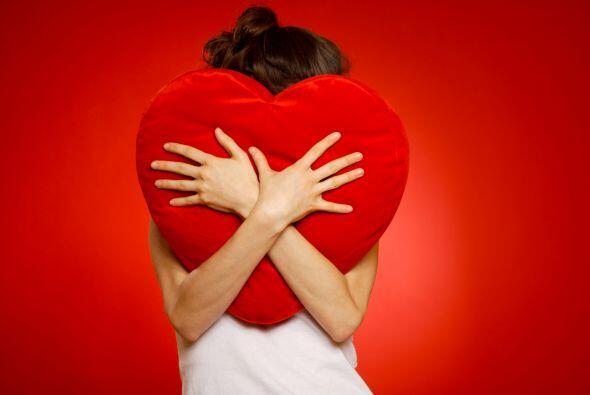 Además, reducir un sentimiento tan impredecible como el amor, a u...