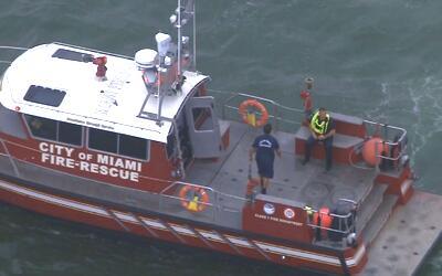 Equipo de rescate de los Bomberos de Miami.