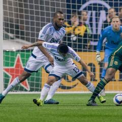 Waston junto a Techera, los extremos de tamaño en Vancouver Whitecaps.