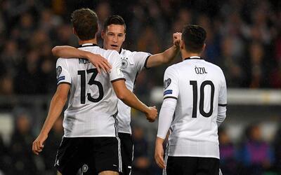 Alemania venció 2-0 a Irlanda del Norte