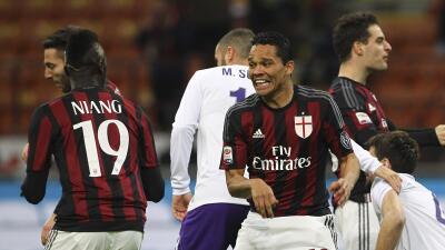 Bacca impulsa al Milan ante la Fiorentina