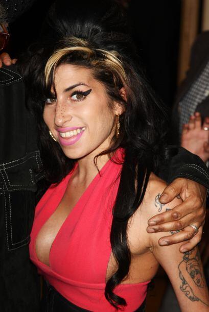 Amy Winehouse es otro caso trágico de famosos que se despidieron...
