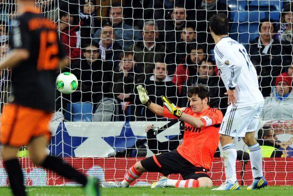 Iker Casillas fue decisivo con varias salvadas.